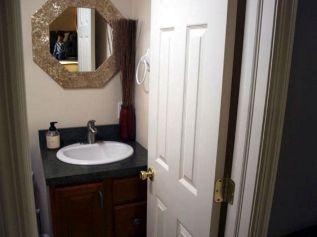 Small Full Bathroom Remodel Ideas 20