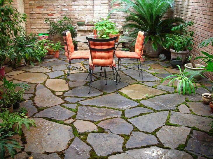 Small Outdoor Garden Decor Ideas 11