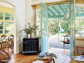 Tiny Cottage House Interiors 10