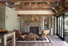 Tiny Cottage House Interiors 15