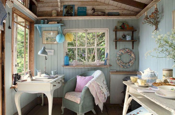 Tiny Cottage House Interiors 7