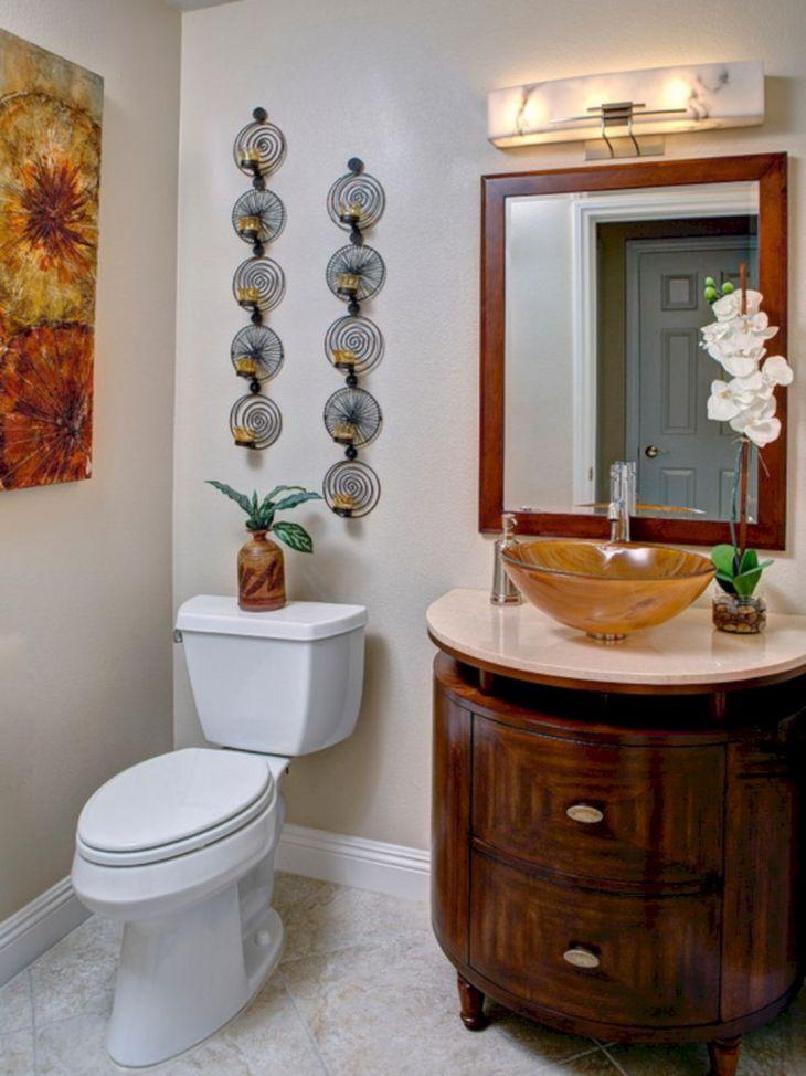 Hotel Bathroom Wall Decor Ideas