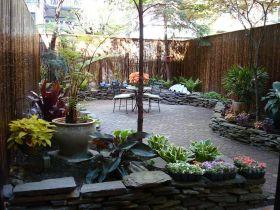 Urban Backyard Design Ideas 16