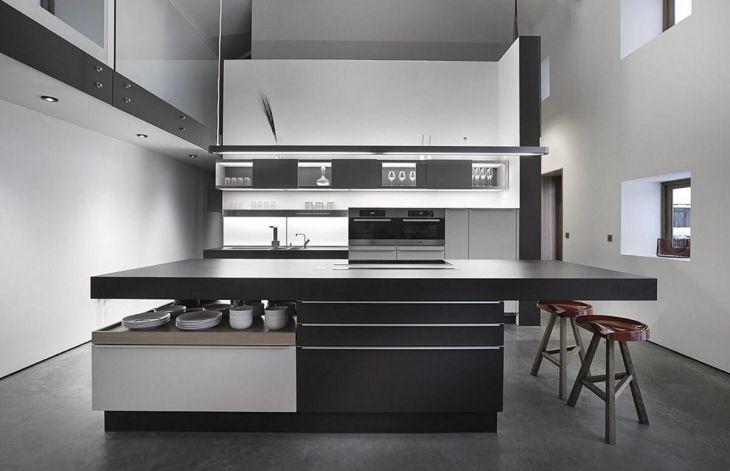White Modern Kitchen Design 18