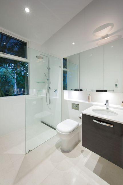 Minimalist Bathroom Design 17