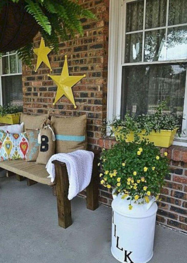 Summer Front Porch Decoration 13