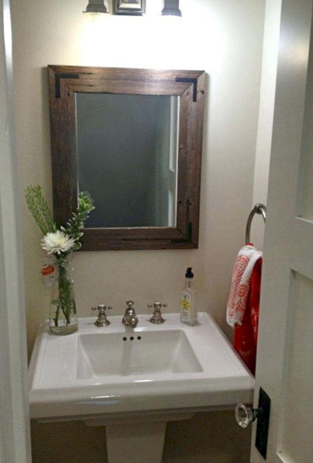 DIY Barnwood Bathroom Decoration 2