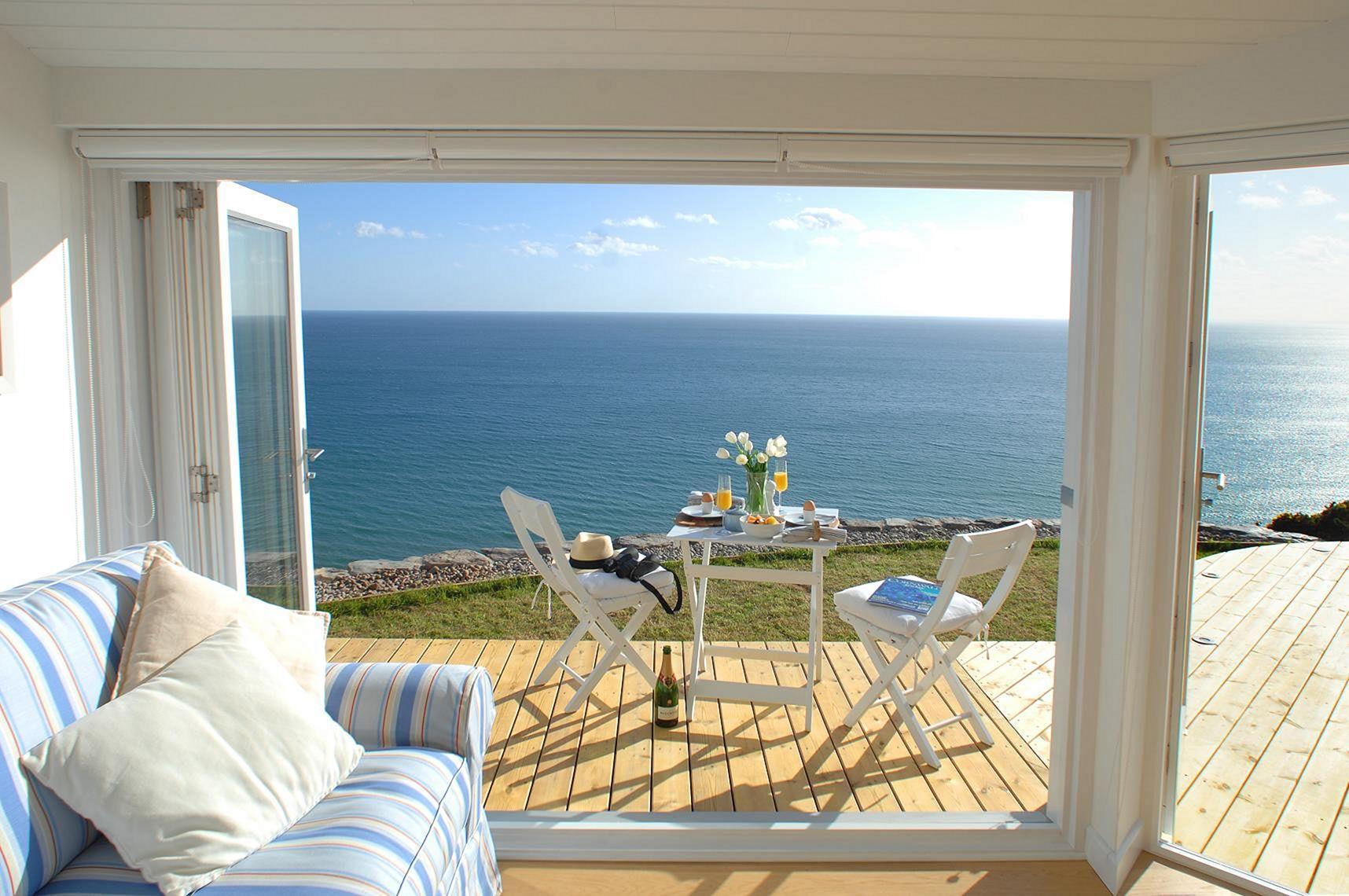 Beach Cottage Interior Design For Amazing Home inspiration 2