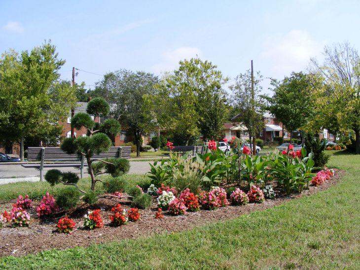 Front Yard Flower Garden Design 15