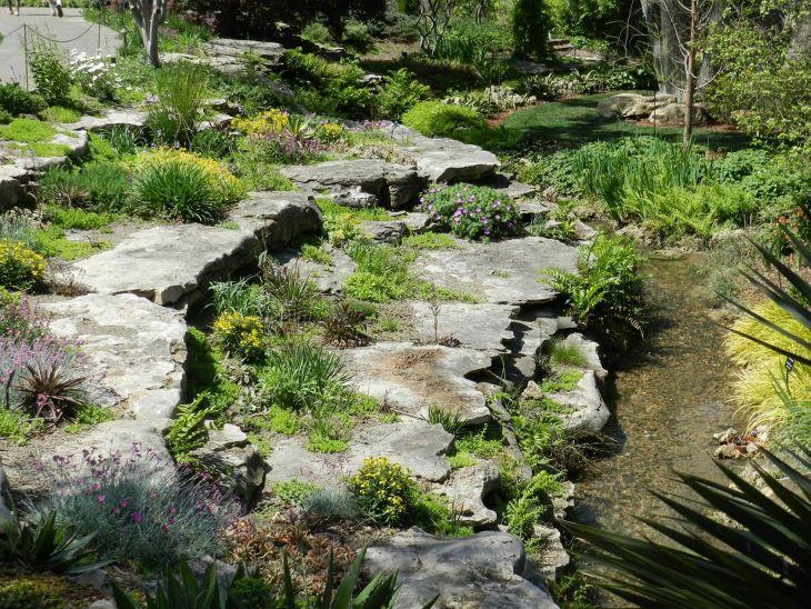 Beautiful Rock Garden 240