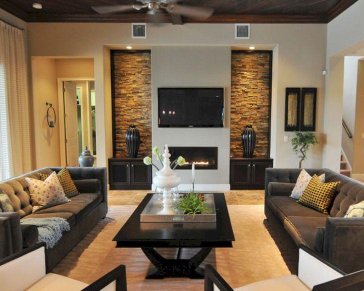 Living Room Wall Gallery Design 17