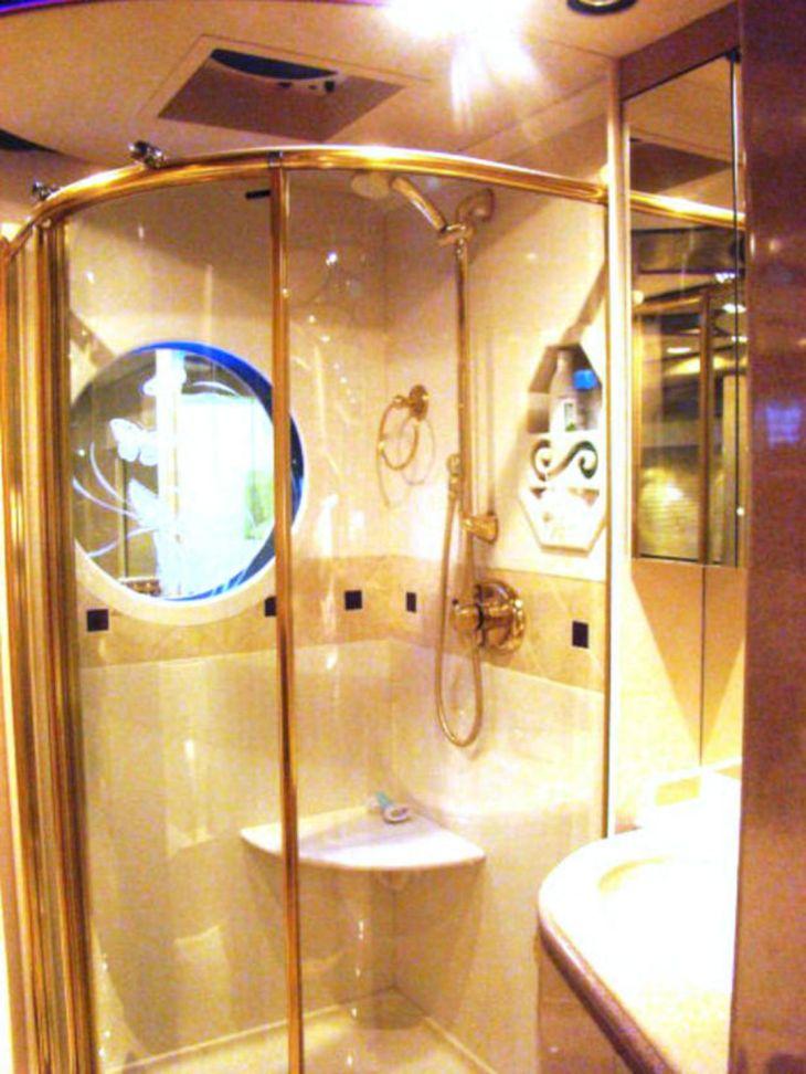 RV Bathroom Shower 017