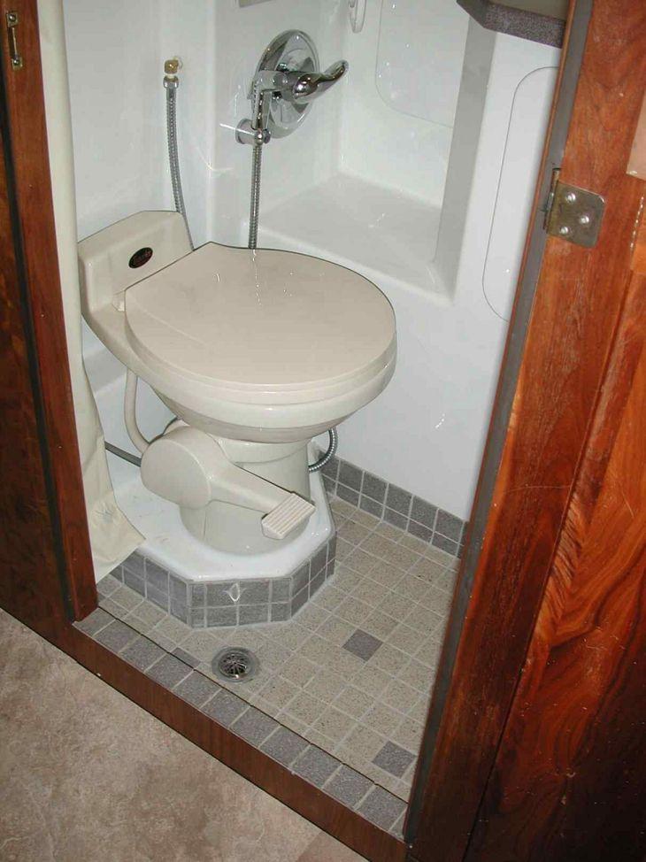 RV Bathroom Shower 020