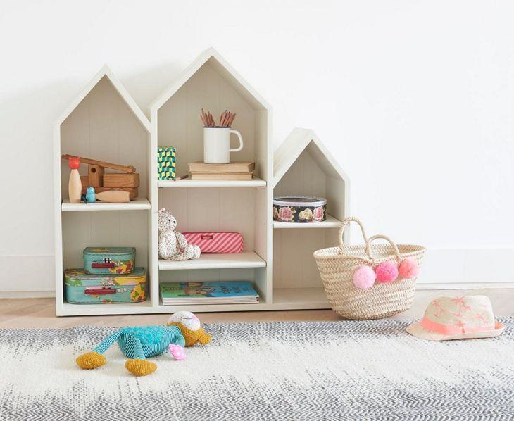 Bedroom Design with Bookshelves 2