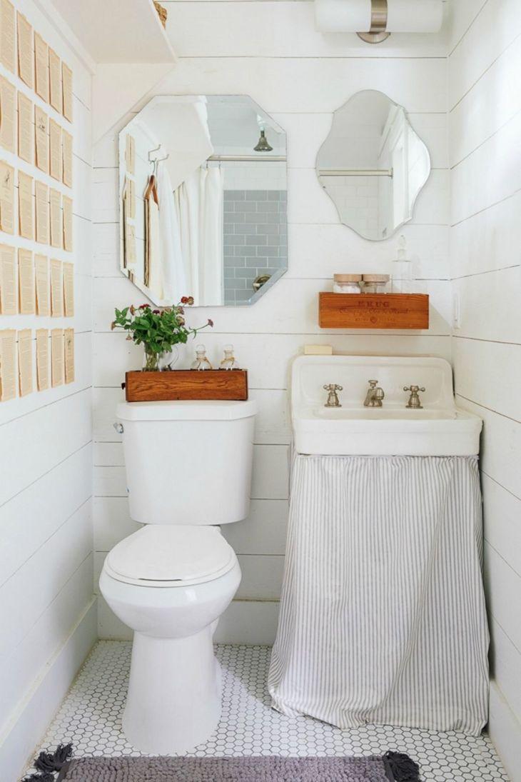 Vintage Style Tiny Bathroom Design
