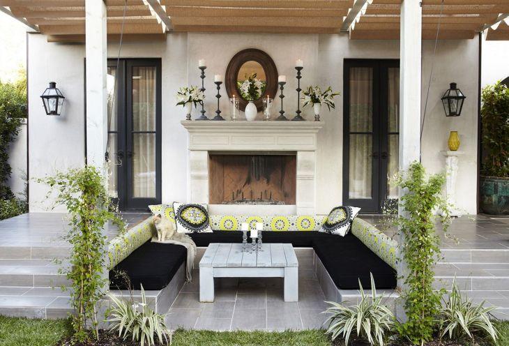 Outdoor Living Room Design