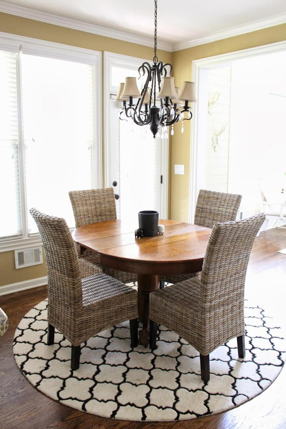 Best Cheap Rugs for Under Kitchen Table 10