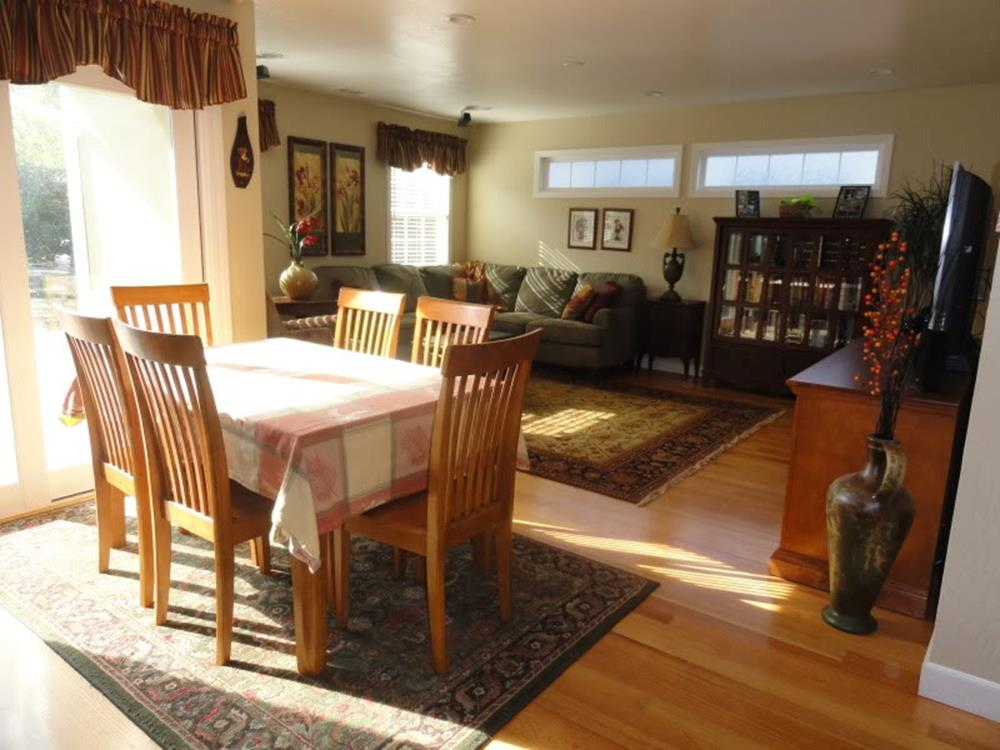 Best Cheap Rugs for Under Kitchen Table 5