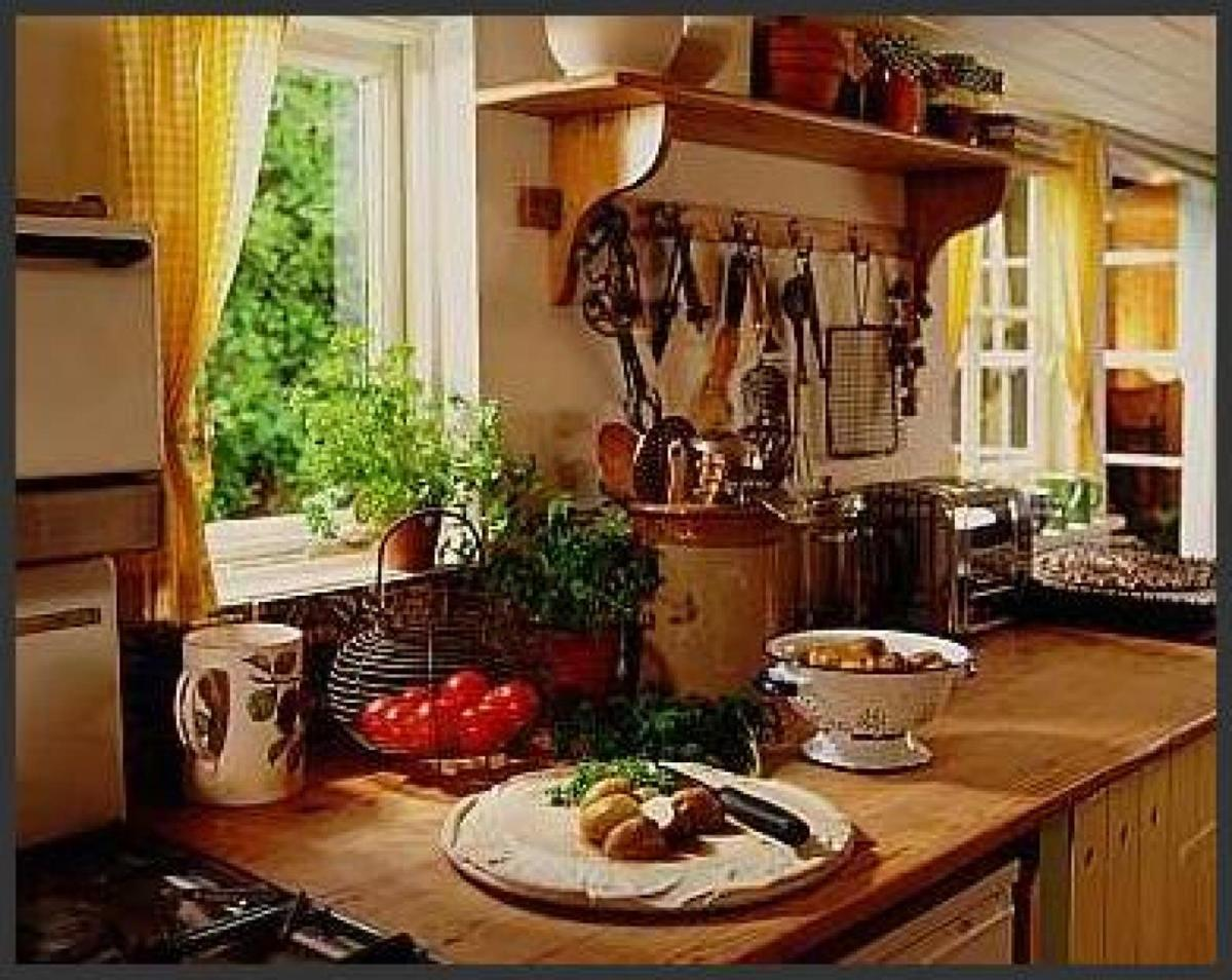 Country Kitchen Accessories and Decor Ideas 30