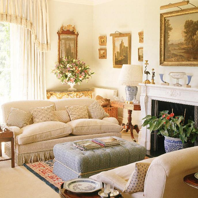 Country Style Living Room Furniture Ideas 7