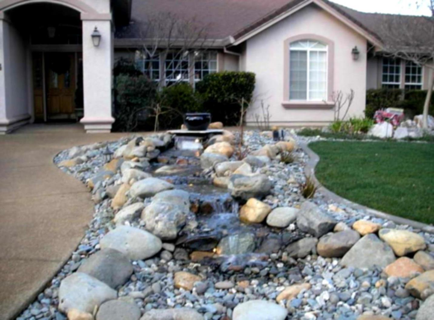 Front Yard Landscaping With Rocks 35
