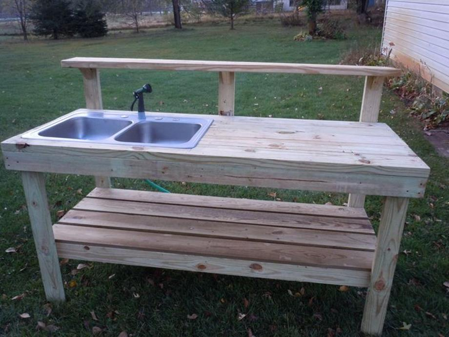 Outdoor Garden Potting Bench Design Ideas 20