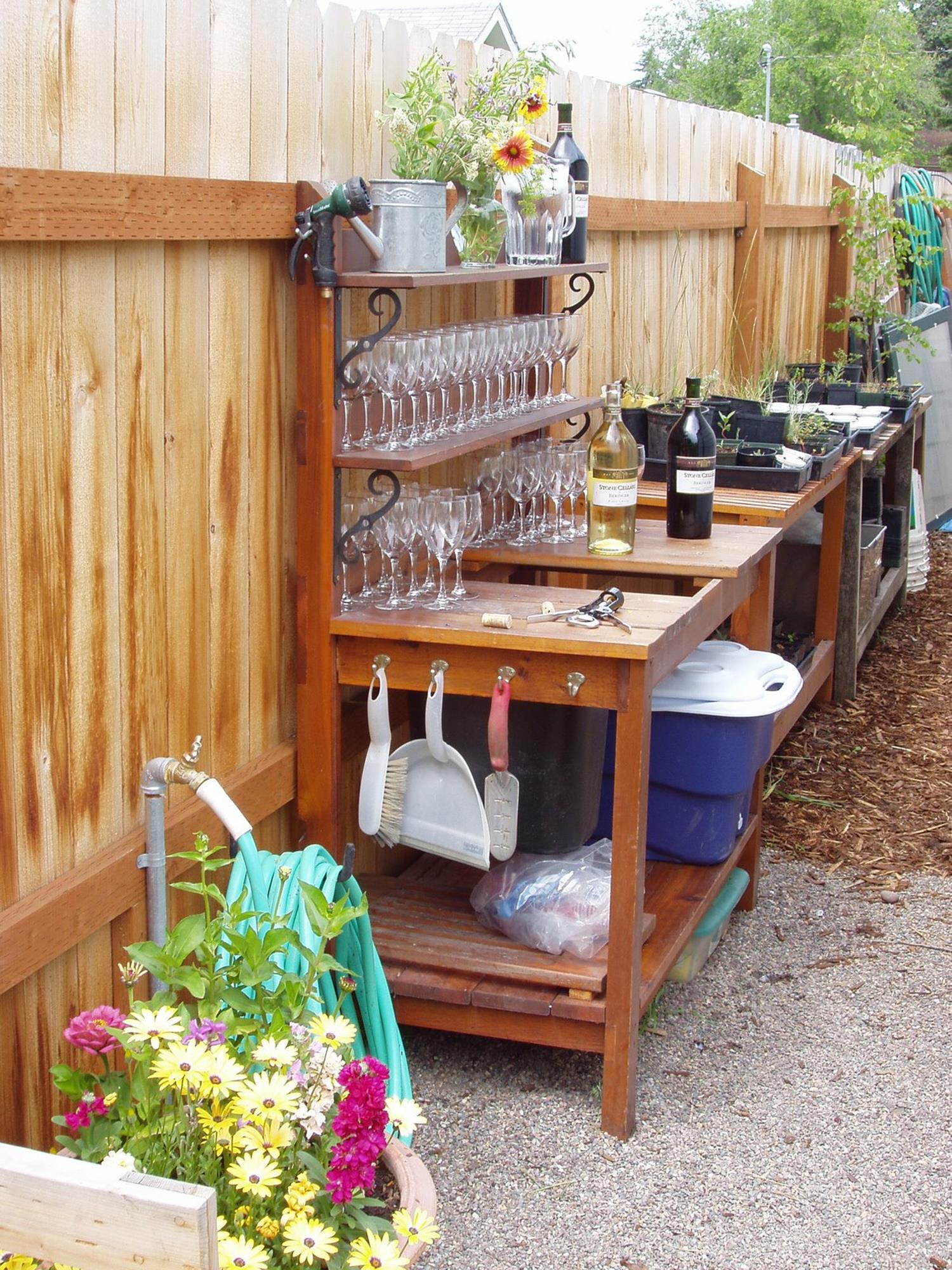 Outdoor Garden Potting Bench Design Ideas 30