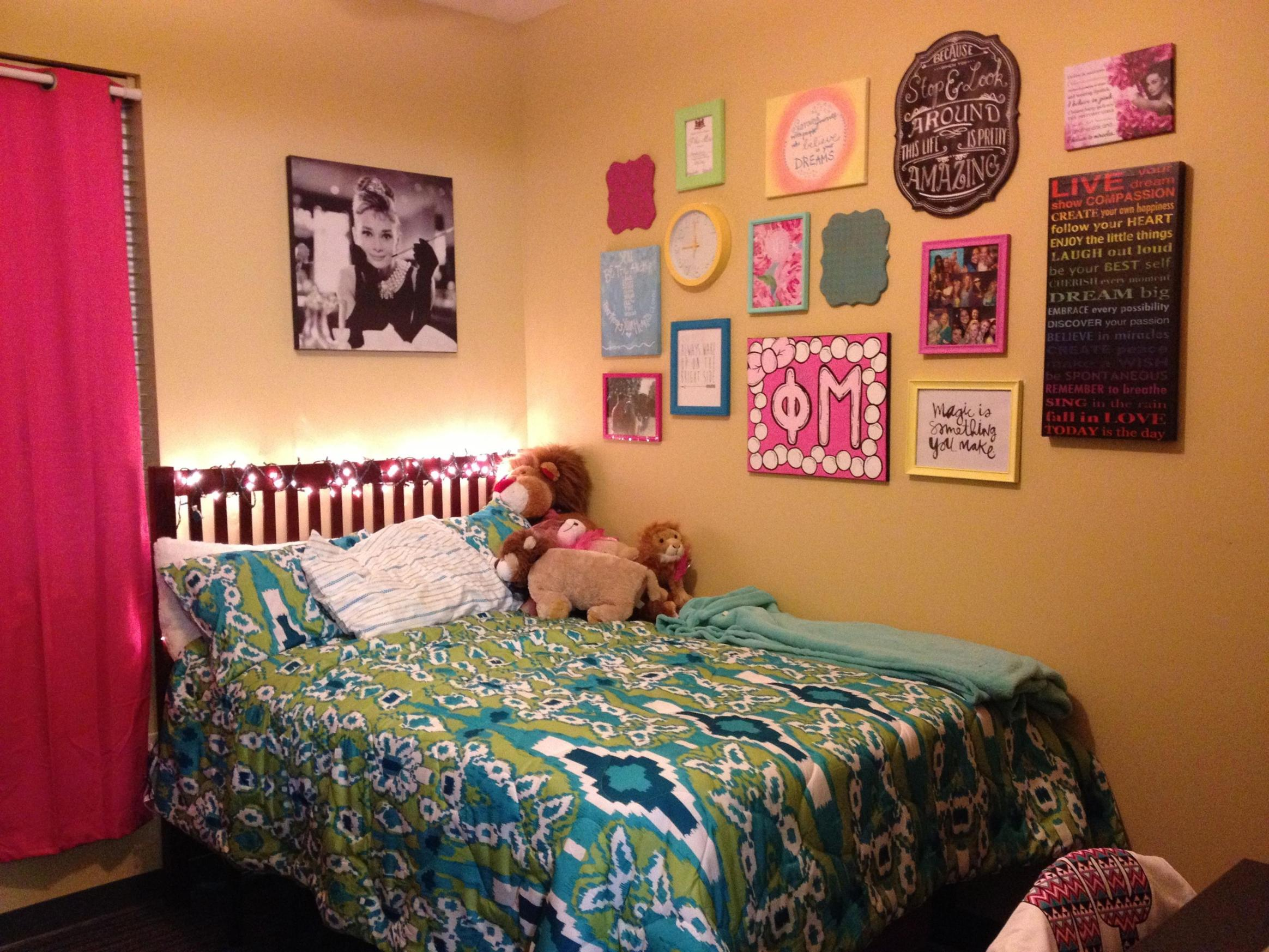 College Dorm Wall Decor For Girl 2