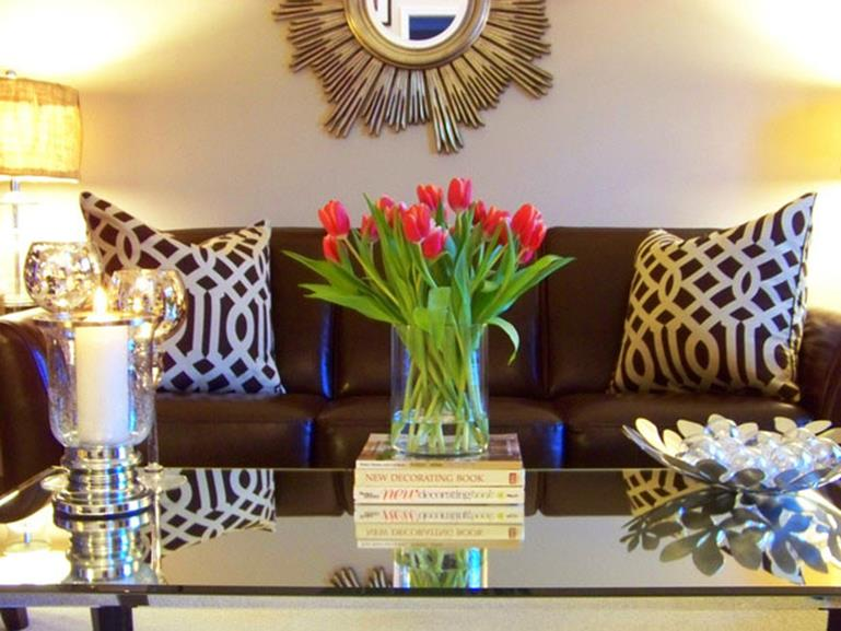 Shabby Chic Living Room Decorating on A Budget 31