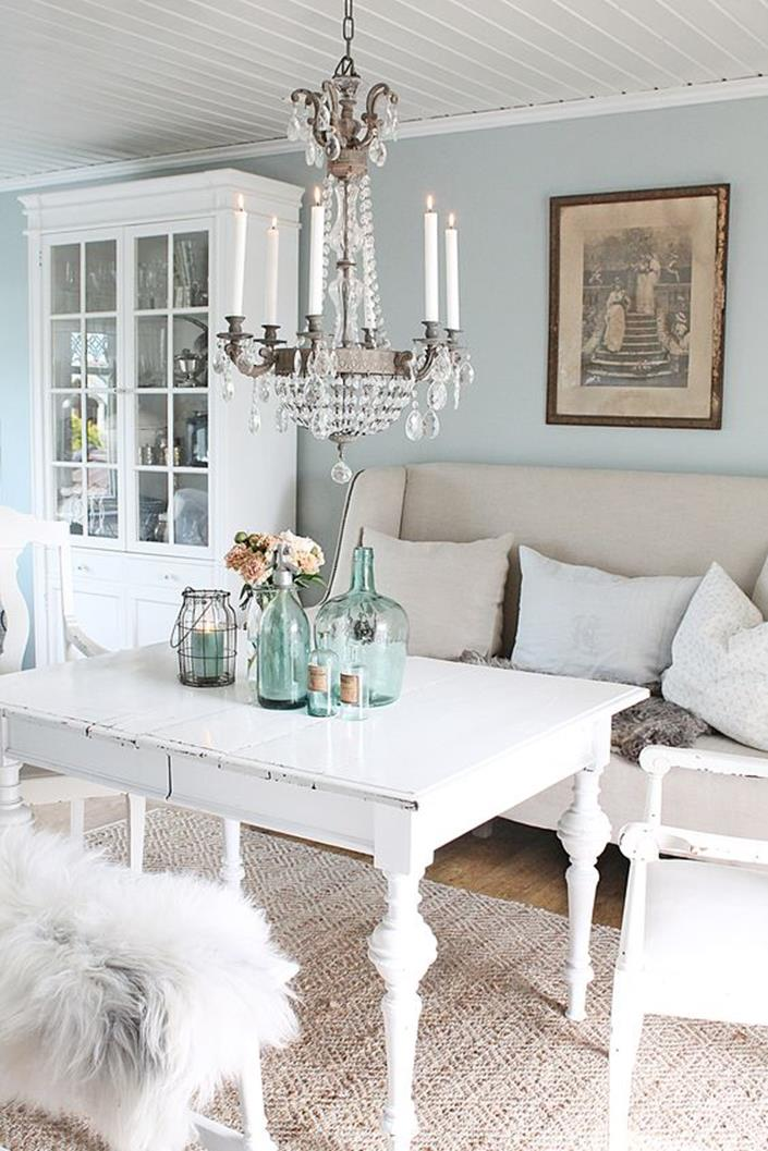 Shabby Chic Living Room Decorating on A Budget 34