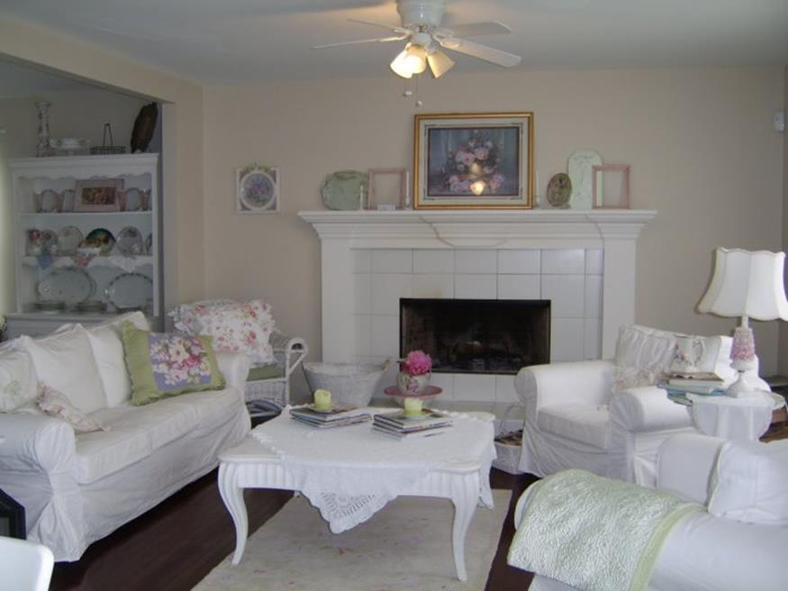 Shabby Chic Living Room Decorating on A Budget 35