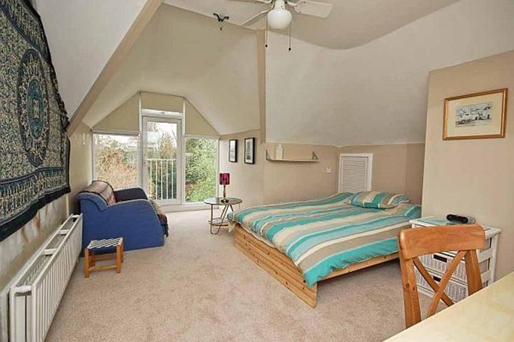 Attic Makeovers Ideas On a Budget 31