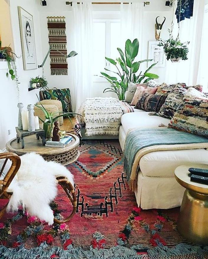 City Chic Living Room Decorating Ideas On a Budget 1