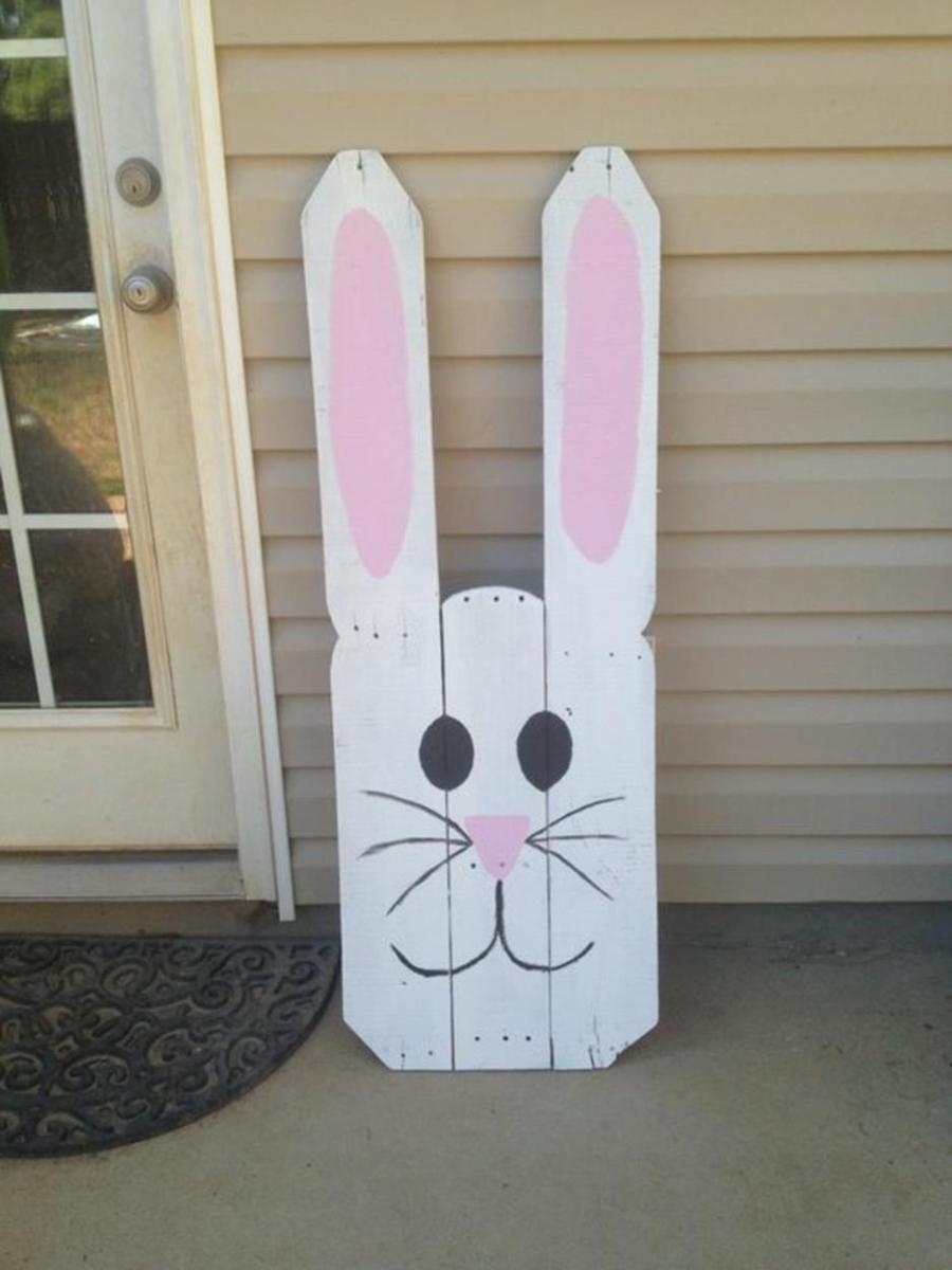 Cute Wooden Easter Decorations for the Outside 17