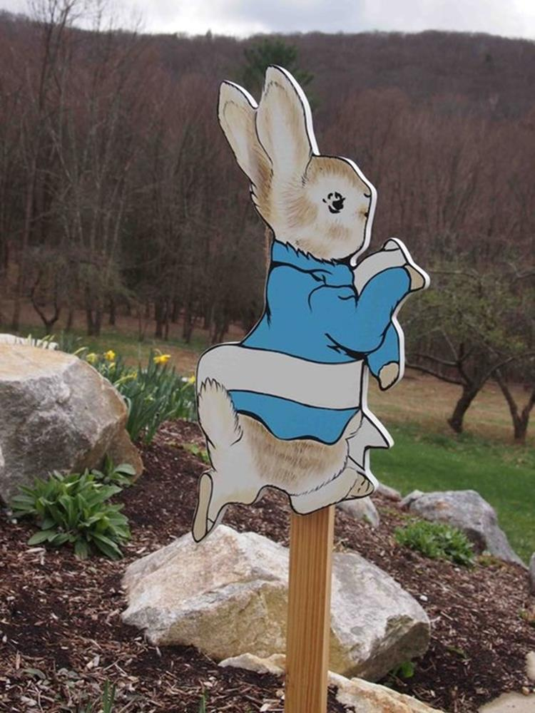 Cute Wooden Easter Decorations for the Outside 34