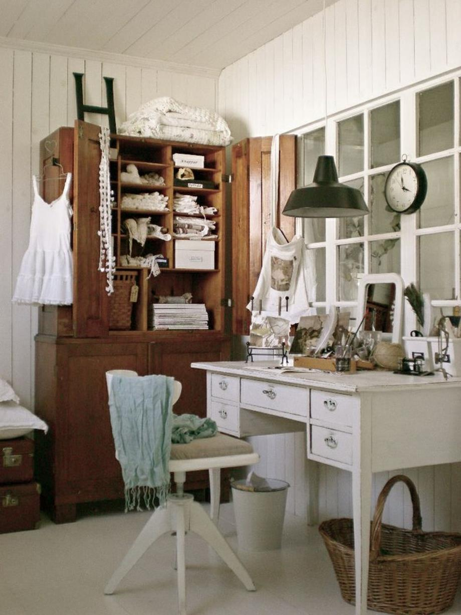 Inexpensive Shabby Chic Craft Table Ideas 10