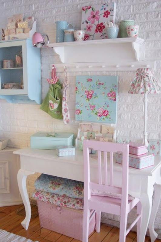Inexpensive Shabby Chic Craft Table Ideas 31
