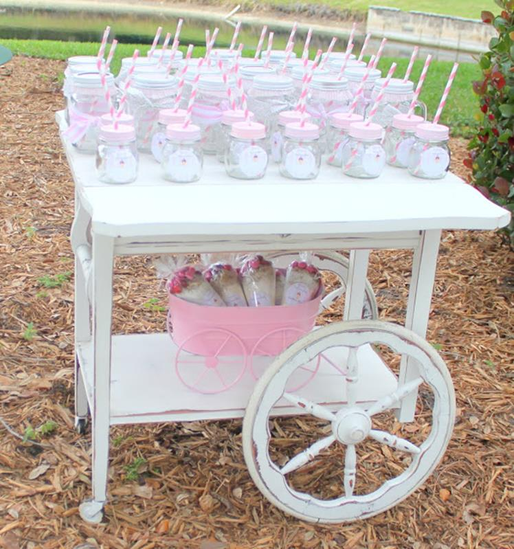 Inexpensive Shabby Chic Craft Table Ideas 44