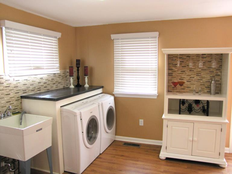 DIY Small Laundry Room Makeovers On a Budget 19