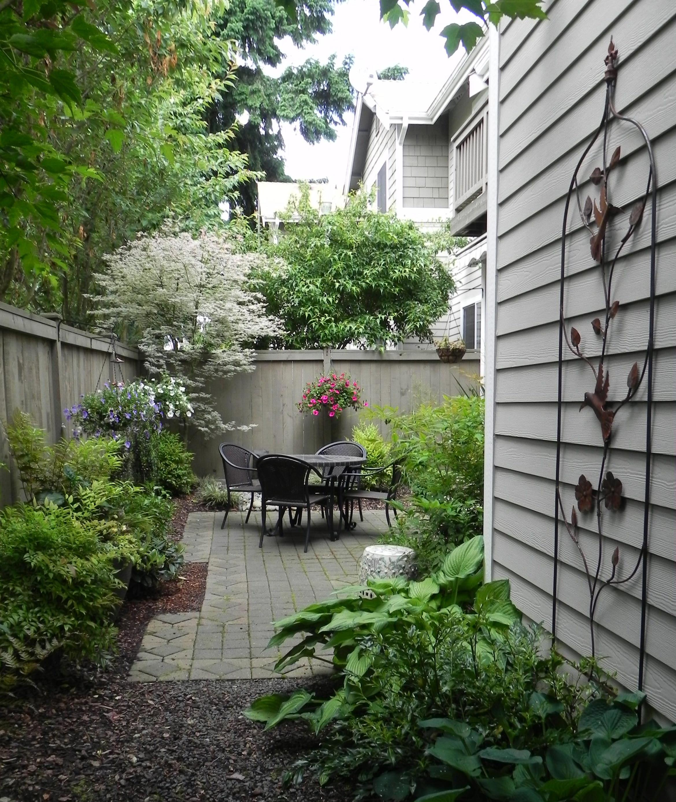 Perfect Small Outdoor Spaces Design Ideas 10