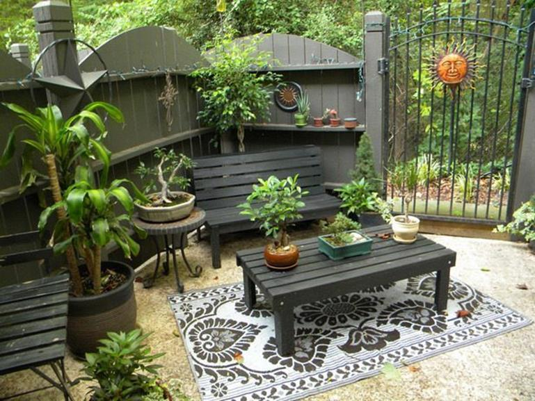 Perfect Small Outdoor Spaces Design Ideas 25