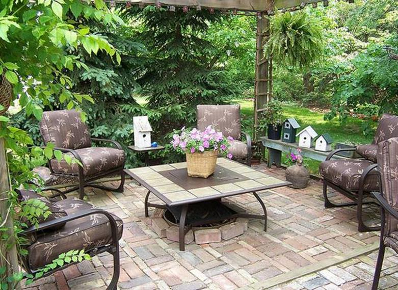 Perfect Small Outdoor Spaces Design Ideas 29