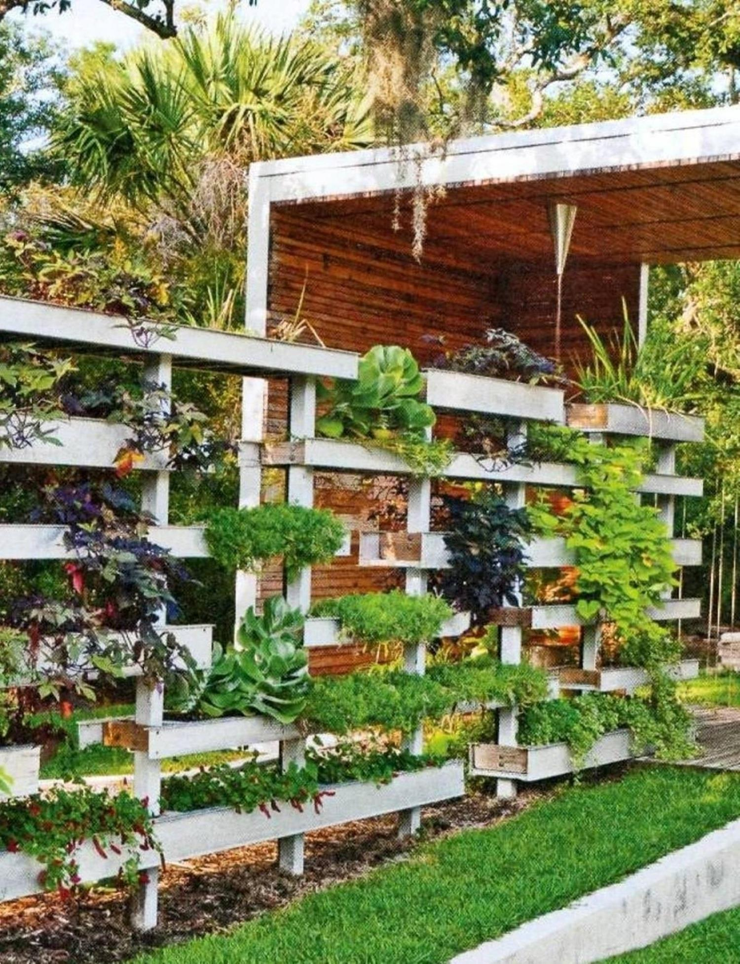 Perfect Small Outdoor Spaces Design Ideas 41