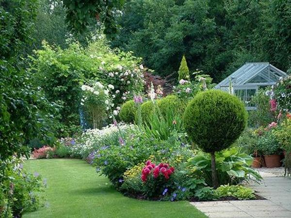 Stunning Country Cottage Gardens Ideas 34