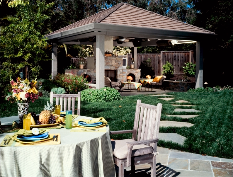 42 Cozy Small Outdoor Living Spaces 14 Outdoor Living Spaces 6