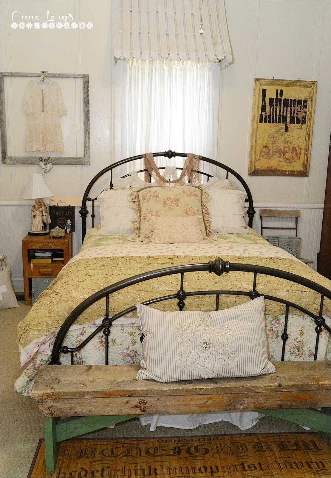 43 Stunning Country Farmhouse Bedroom Ideas 93 Fiona and Twig Farmhouse Bedroom 4