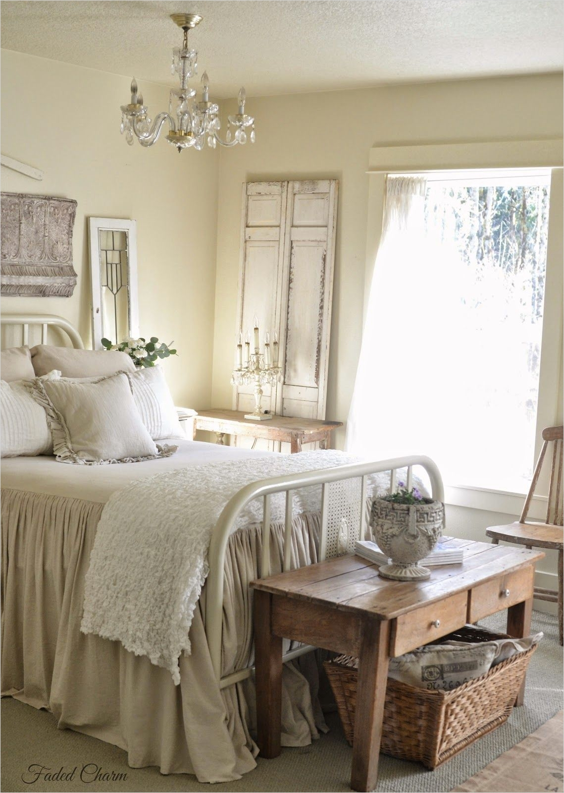 43 Stunning Country Farmhouse Bedroom Ideas 29 Farmhouse Bedroom Salvaged Architectural Pieces and Mismatched Furniture with Painted and 1