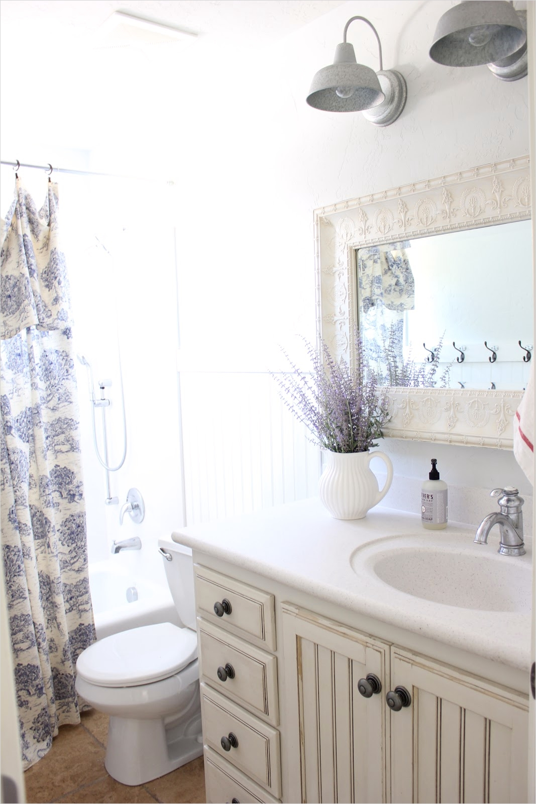 40 Stunning French Country Small Bathroom 14 Primp Junktion French Farmhouse Bathroom 4