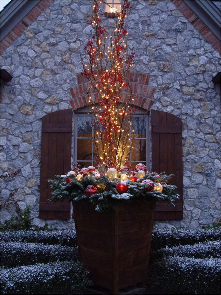 42 Beautiful Christmas Outdoor Pot Decorations Ideas 92 624 Best Winter Containers Images On Pinterest 4