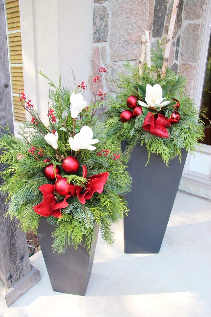 42 Beautiful Christmas Outdoor Pot Decorations Ideas 43 34 Best Images About Outdoor Christmas Planters On Pinterest 9